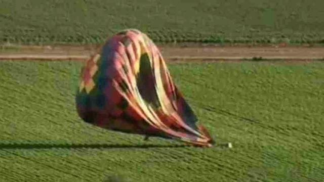 Passengers survive hot-air balloon landing