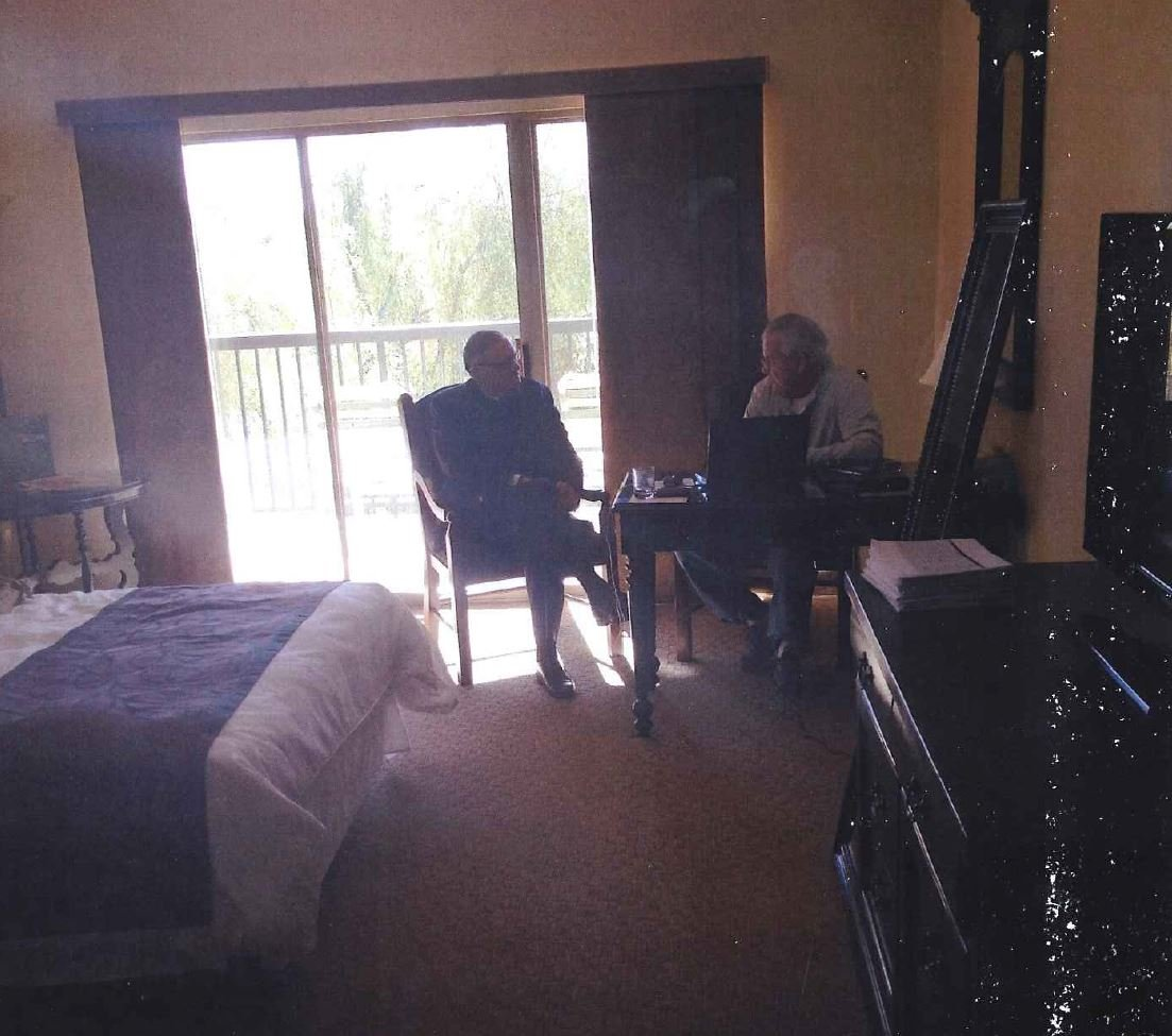 County Sheriff Joe Arpaio sitting with Dennis Montgomery. (Source: CBS 5 News)