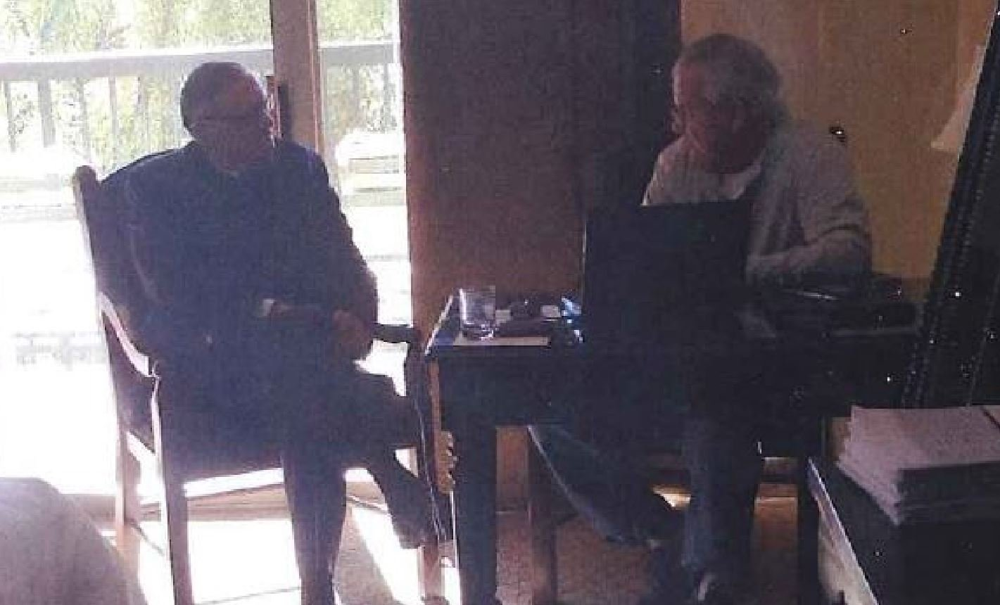 Country Sheriff Joe Arpaio sitting with Dennis Montgomery. (Source: CBS 5 News)