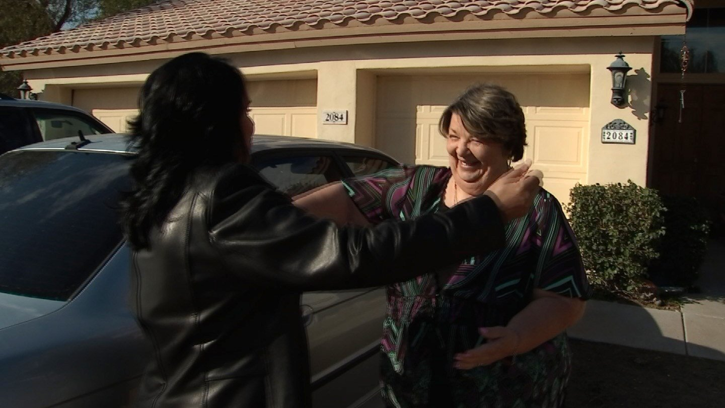 Susan Guthrie surprises Kathi Soria in this week's Pay It Forward. (Source: KPHO)