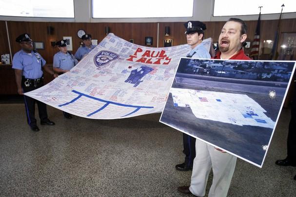 Kevin Held Promoting 9-11 Memorial Quilt
