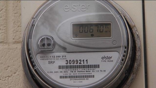 smart meters around the world While analog meters provide a single monthly read of cumulative household energy use (a single data point), smart meters typically collect data in 5, 15, 30 or 60-minute intervals.