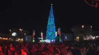 Anthem lights nation's tallest Christmas tree - Arizona's ...