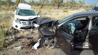 Mohave County crash kills 1, injures 4