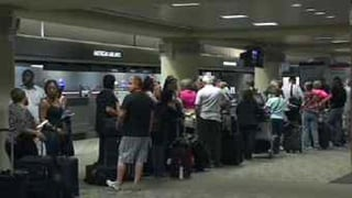 Lines at Sky Harbor Airport