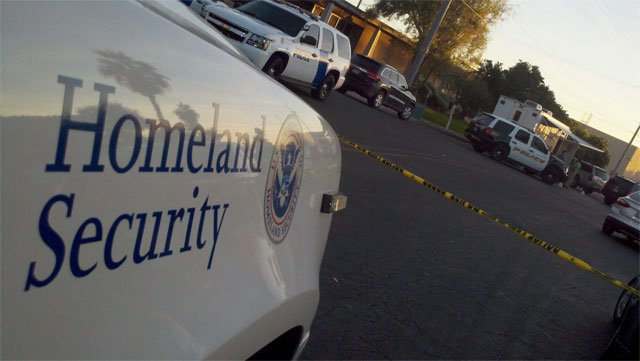 (Source: CBS 5 News) An explosion rocked the Social Security Administration Office in Casa Grande on Friday morning.