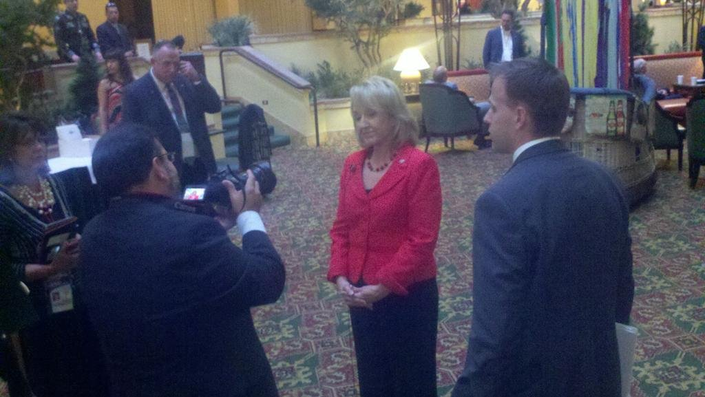 Gov. Brewer arrives at the Border Governors' Conference
