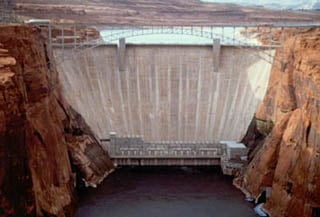 (Photo courtesy: National Park Service) Glen Canyon Dam