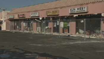 © Strip mall fire at 65th Avenue and Glendale.