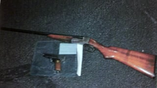 (Source: MCSO) Weapons found and confiscated.