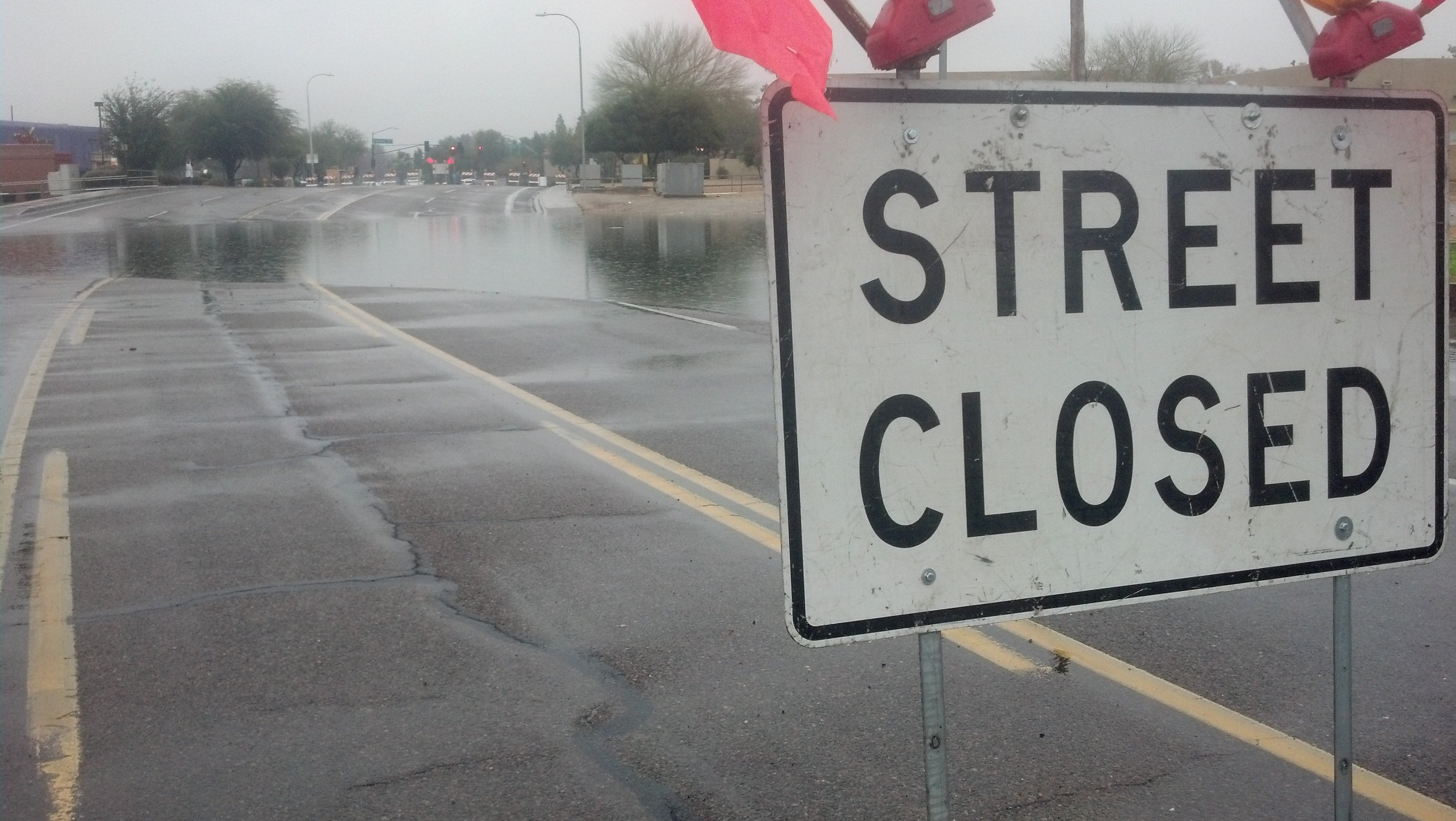 48th Street west of Warner Road (Source: Christina Batson, cbs5az.com)
