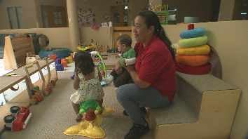 Maria Aguilar with her two children (Source: CBS 5 News)