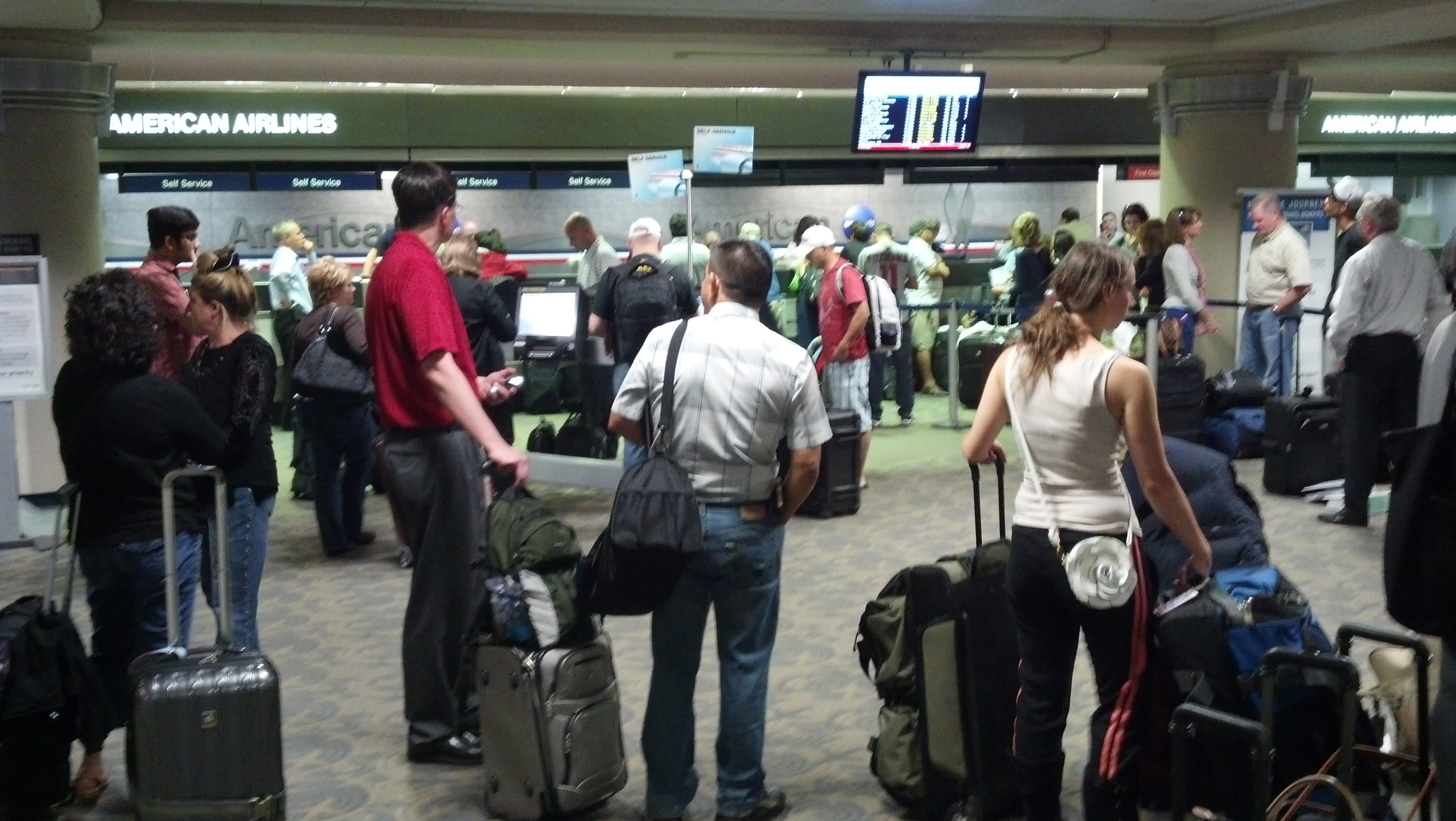 American Airlines grounded flights across the country - including Sky Harbor Airport on Tuesday. (Source: CBS 5 News)