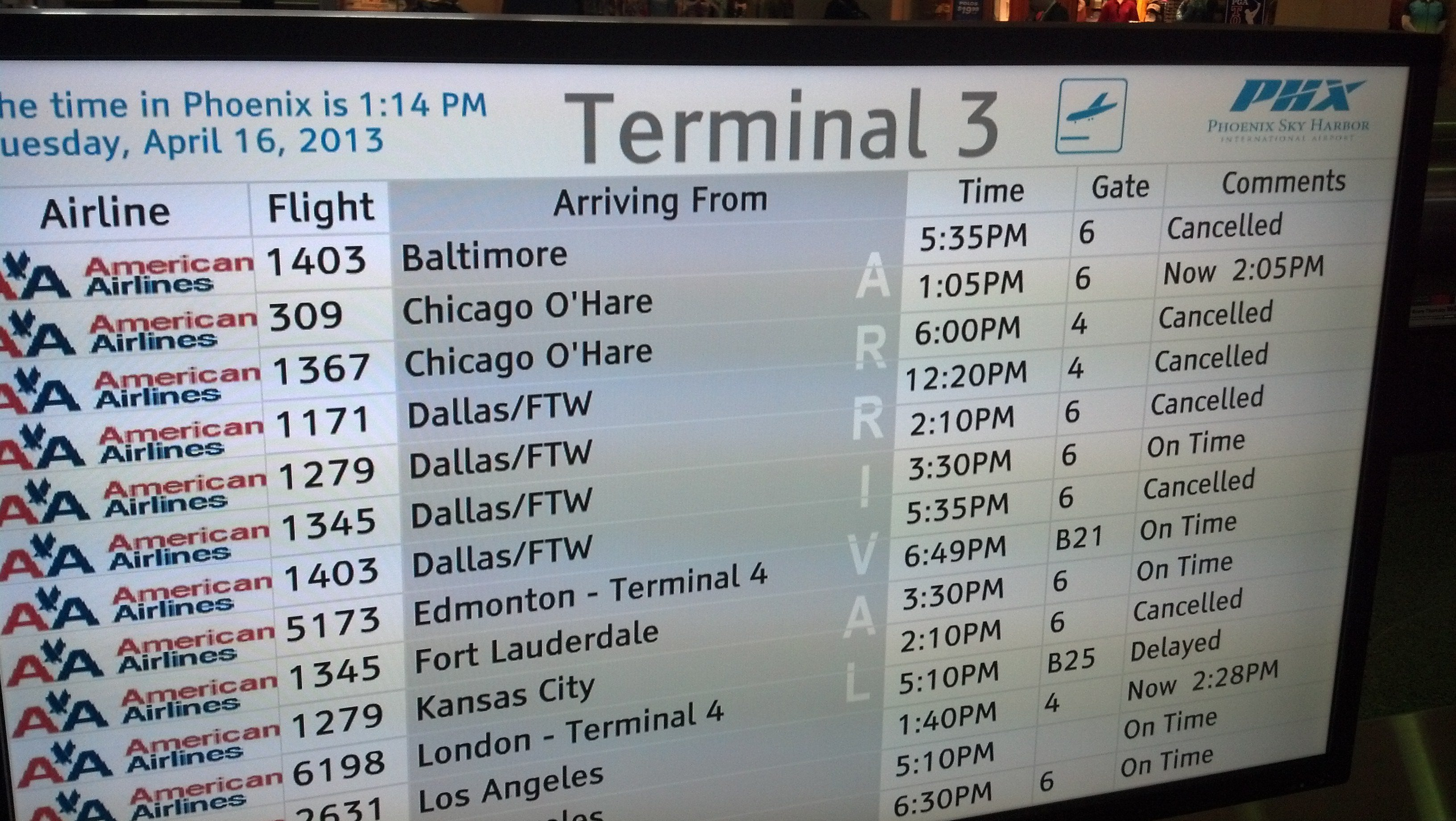 Sky Harbor officials say five departing and four arriving American Airlines flights to and from Dallas and Chicago were cancelled. (Source: CBS 5 News)