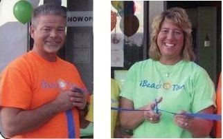 Dave and Sandy Hallman own the iBeach stores in Chander and Gilbert.