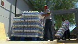 Need for bottled water is great. (Source: KPHO-TV)
