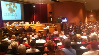 Packed house for Glendale's vote on the Phoenix Coyotes. (Source: Mark McClune, cbs5az.com)
