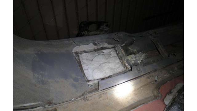 © Lukeville CBP officers seize $85,000 in meth from woman's front bumper.