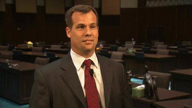 Rep. Warren Petersen, R-Gilbert, is the sponsor of a bill that critics say jeopardizes the safety and security of hundreds of communities across the state. (Source: CBS 5 News)