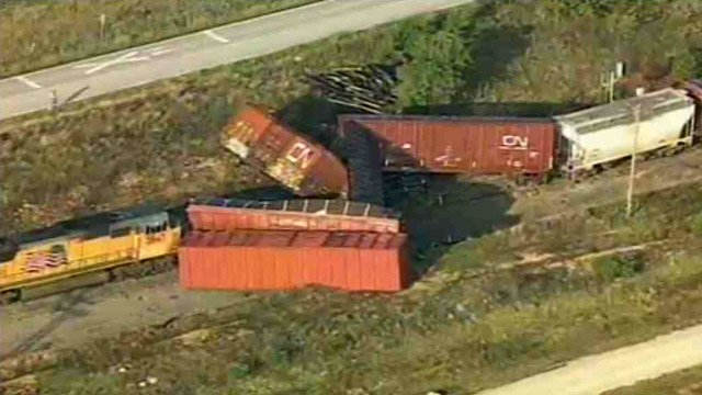 A Union Pacific train from Tucson and bound for Dallas derailed in North Texas, leaving one worker hurt. (Source: CBS News)