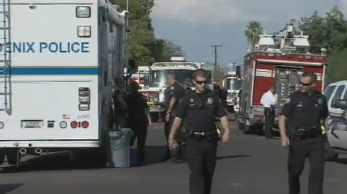 Phoenix police evacuated neighbors. (Source: CBS 5 News)