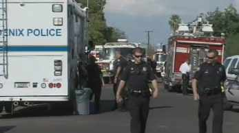 Phoenix police evacuated neighbors. (Source: CBS 5 News)