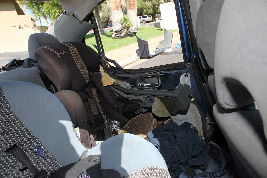Police said this photo shows the infant seats were properly secured. (Source: Phoenix Police Department)