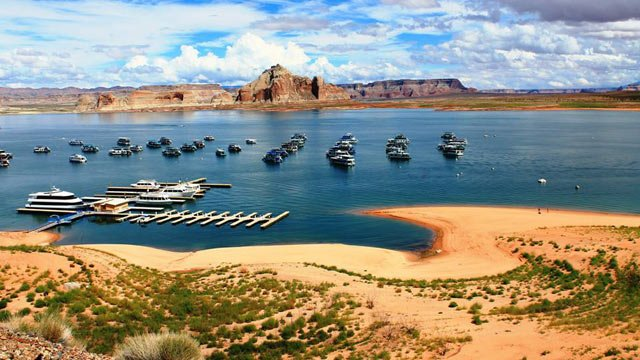 Low water levels at Lake Powell have forced the closure of the Antelope Point launch ramp on Sept. 23. (Source: Facebook/Glen Canyon National Recreation Area)
