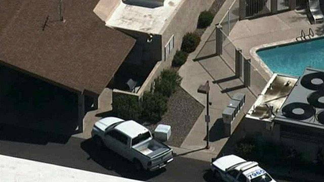 A kidnapping suspect was holed up inside this Scottsdale apartment on Wednesday. (Source: CBS 5 News)