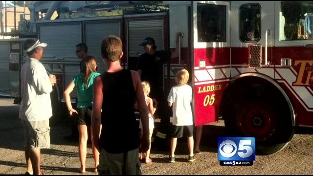 Children, adults stung by bees at Fort Lowell Park. (Source: CBS 5 News)