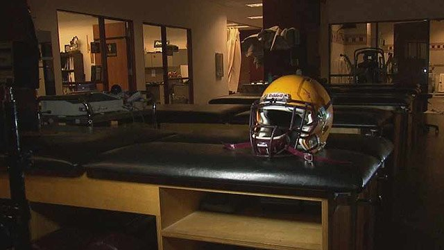 The Arizona State University football team is taking part in a groundbreaking concussion study in conjunction with TGen and Riddell. (Source: CBS 5 News)