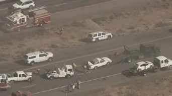 Multiple crashes as blowing dust whips up south of Phoenix (Source: CBS 5 News)