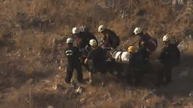 Mountain rescue at 24th St. and Northern Ave, (Source: CBS 5 News)