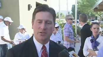 Phoenix Mayor Greg Stanton on Veterans Day setting the goal. (Source: CBS 5 News)