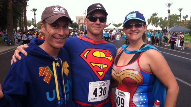 CBS 5 News anchor Sean McLaughlin emceed the run. (Source: CBS 5 News)