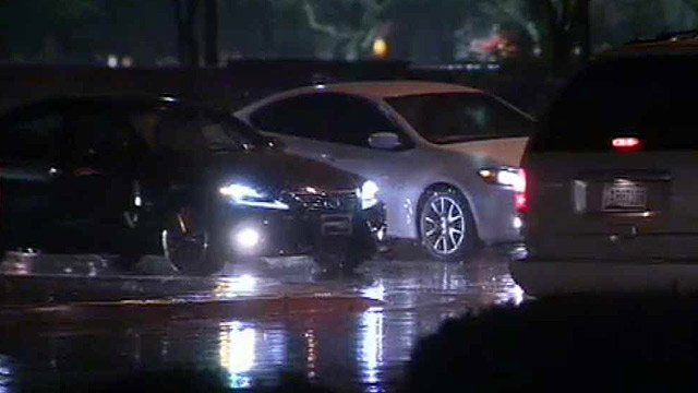 Rain affected traffic even before the morning rush hour began. (Source: CBS 5 News)