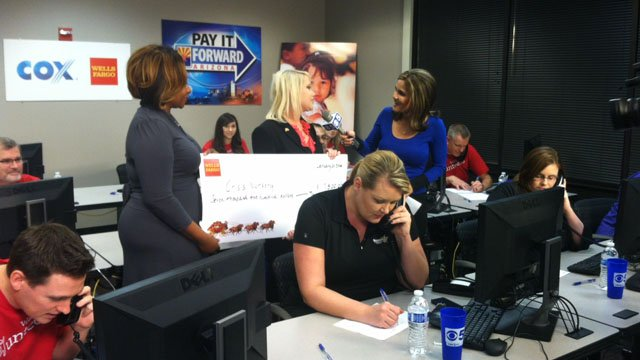 Wells Fargo donated $7,500 during the Pay It Forward phone bank. (Source: Meredith Diggs, cbs5az.com)