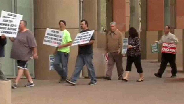 Union members of AFSCME Local 2384 rally outside Phoenix City Hall on Thursday morning. (Source: CBS 5 News)