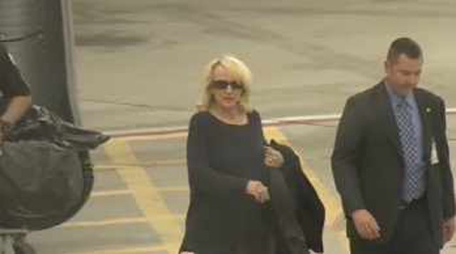 Gov. Brewer got back in Phoenix Tuesday afternoon to face SB 1062 bill on her desk. (Source: CBS 5 News)