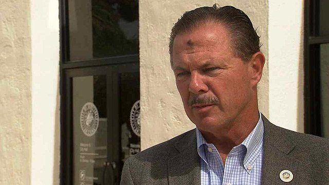 "Scottsdale Mayor W.J. ""Jim"" Lane"