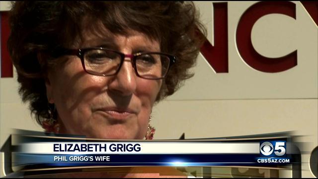 Elizabeth Grigg speaking at Scottsdale Osborn Hospital on April 11.
