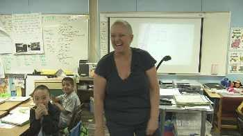 Mary Chandler teaching at  Eagle Ridge Elementary. (Source: CBS 5 News)