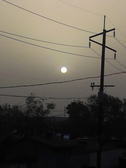 A CBS 5 News viewer captured this dust sunrise photo Sunday morning. (Source: Kathleen Morgan)