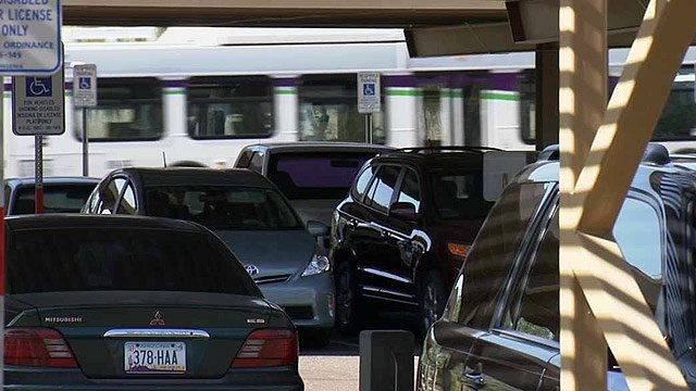 Unlike this Park and Ride lot at Shea Boulevard and State Route 51, vehicles are seldom seen parked at the Scottsdale lot. (Source: CBS 5 News)