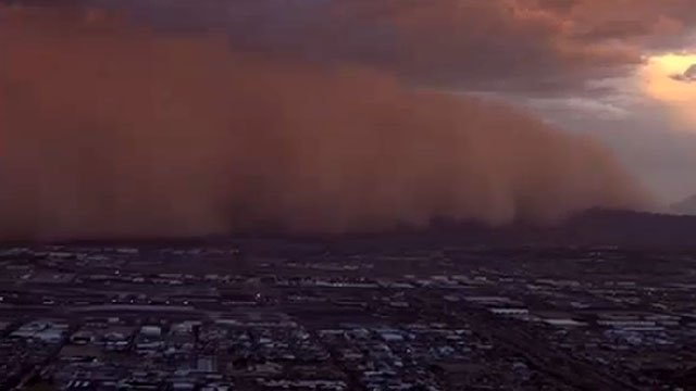 The dust storm rolled through the Valley. (Source: CBS 5 News)