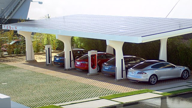 Tesla Supercharger station (Source: Tesla)