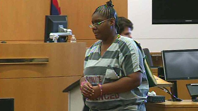 Jerice Hunter during a pre-trial conference on Sept. 12, 2014. Hunter will go to trial Jan. 12 on murder and child abuse charges in the disappearance of her 5-year-old daughter. (Source: CBS 5 News)