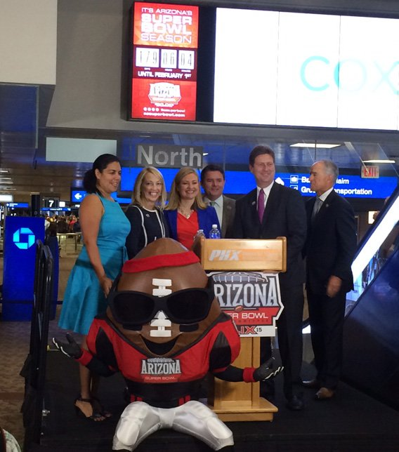 Phoenix Mayor Greg Stanton joined members of the Arizona Super Bowl Host Committee at the unveiling ceremony. (Source: CBS 5 News)
