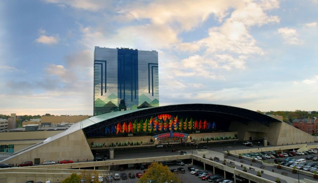 Seneca-Niagara Casino in Niagara Falls, NY (Courtesy: Seneca Casinos)