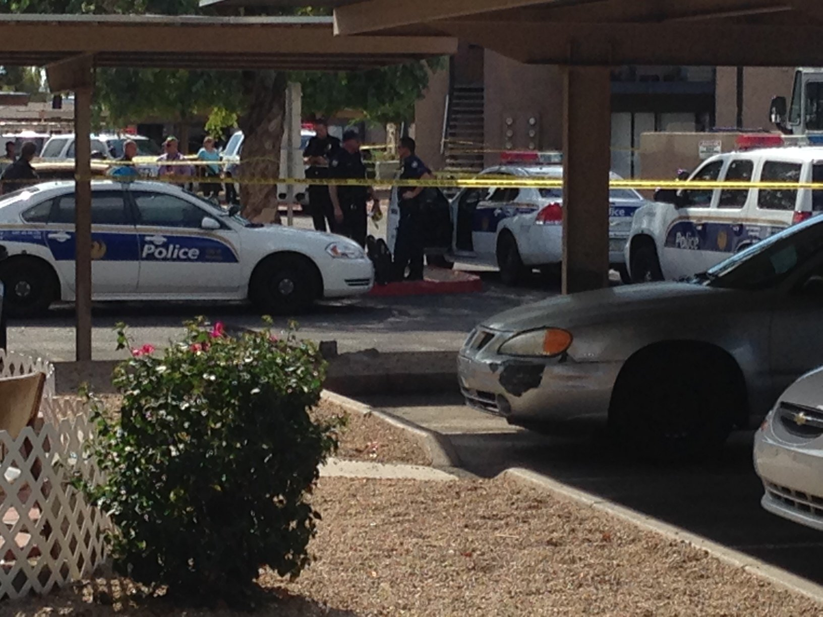 © Officer-involved shooting in the 3800 block of N. Maryvale Pkwy. (Source: CBS 5 News, Sean Gates)